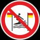 Verboden te surfen tussen rood-gele vlag bordjes
